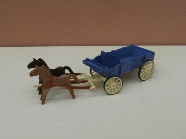 playmobil accessoire western chariot bleu attelage avec 2 chevaux 3785 archine. Black Bedroom Furniture Sets. Home Design Ideas