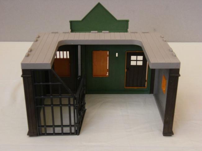 b2 playmobil western prison bureau du sheriff 3786. Black Bedroom Furniture Sets. Home Design Ideas